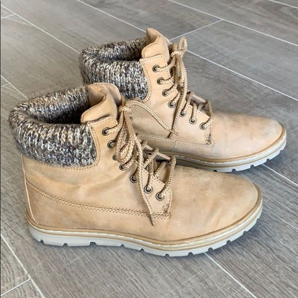 White Mtn Kudrow Womens Booties Size